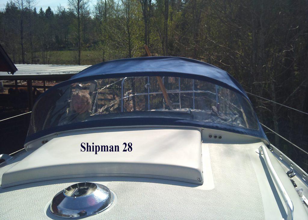 Shipman 28 Sprayhood CB Marine
